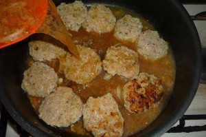 Как приготовить тефтели в томатном соусе