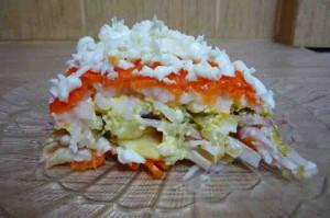 Как приготовить салат с кальмарами