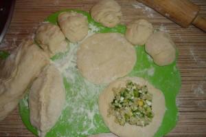 Пирожки с рисом и яйцом